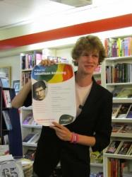 Prominente Roze Nijmegenaar Sebastiaan Andeweg introduceert zichzelf met een poster